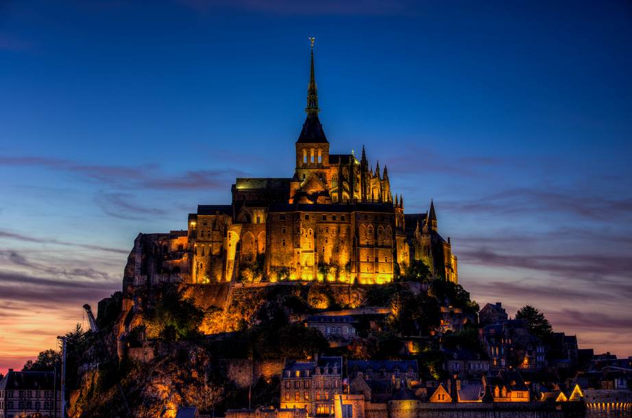 GuestToGuest, traveling, sharing economy, fairytale locations, mont st. michel