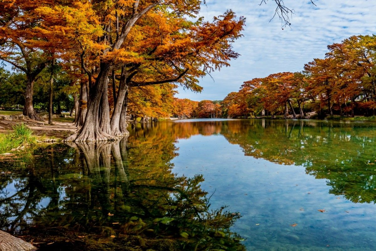Weekend Foliage Trips in North America