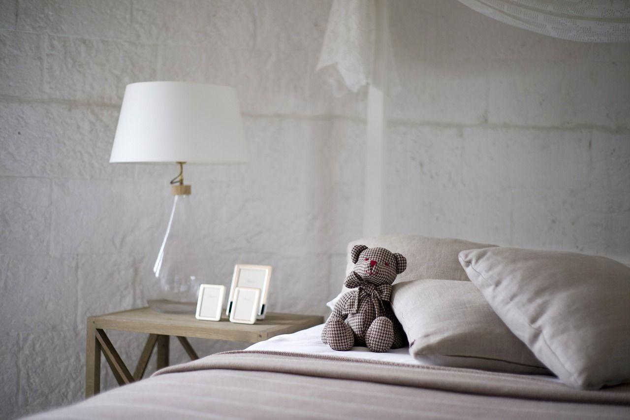 home exchange cozy bedroom