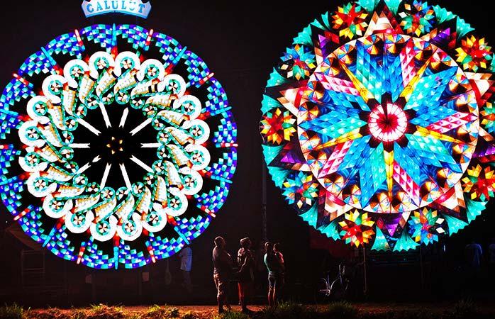 Tradizioni di Natale Giant lantern festival filippine