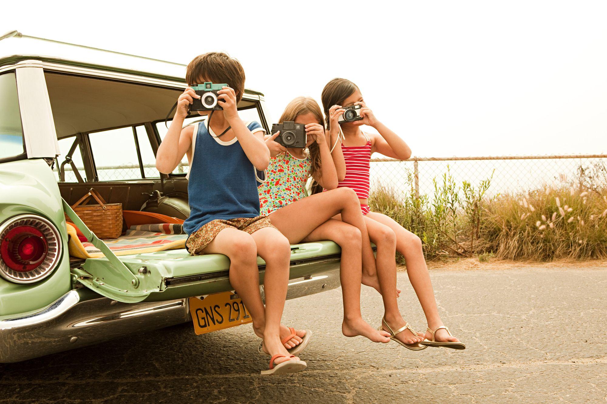 kids-travel-homeexchange-family-vacation-photo