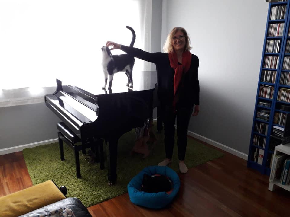 Taking care of HomeExchange hosts' pets