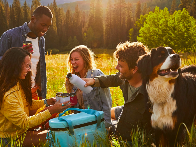 Hydro Flask for summer beach vacations - travel essentials from HomeExchange