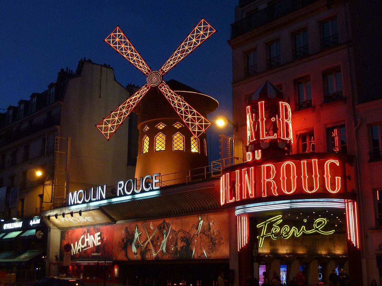 moulin-rouge-Paris-392147_1280
