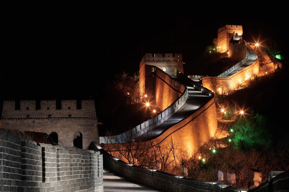 GuestToGuest, home exchange, sharing economy, beautiful places at night, great wall of china