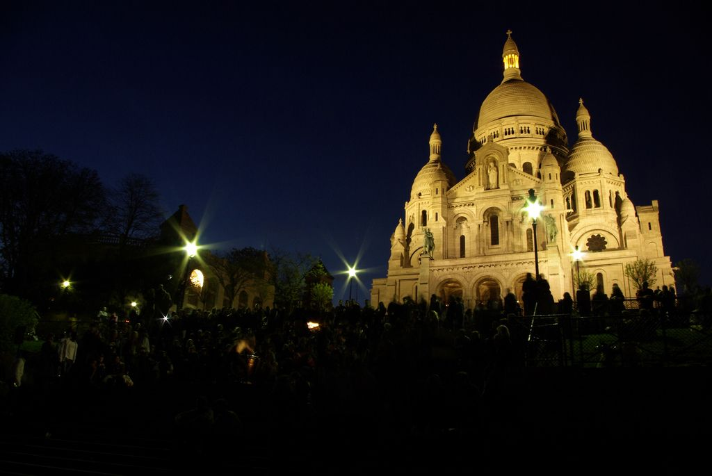 GuestToGuest, home exchange, sharing economy, beautiful places at night, sacre coeur